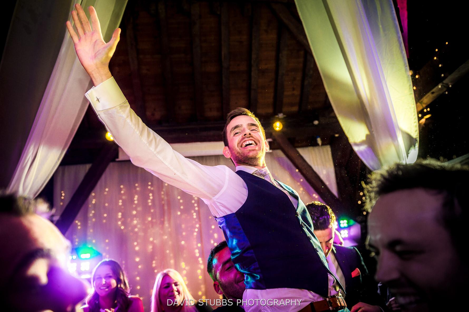 groom in the air