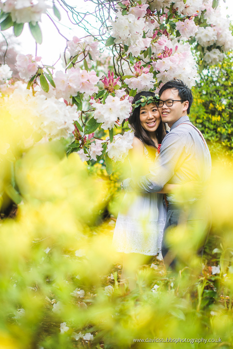 couple hugging in flowers