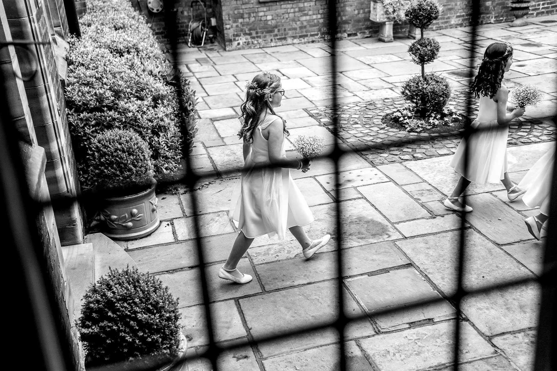 flowergirls leaving
