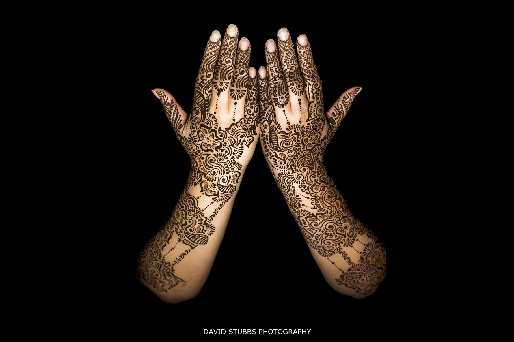 henna photo in the dark