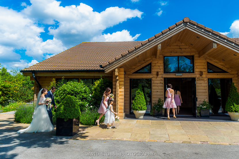 bride and friends arriving at the lodge