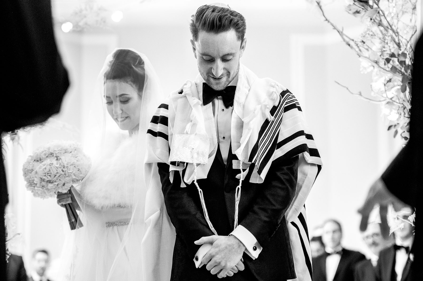 circling 7 times for jewish wedding ceremony