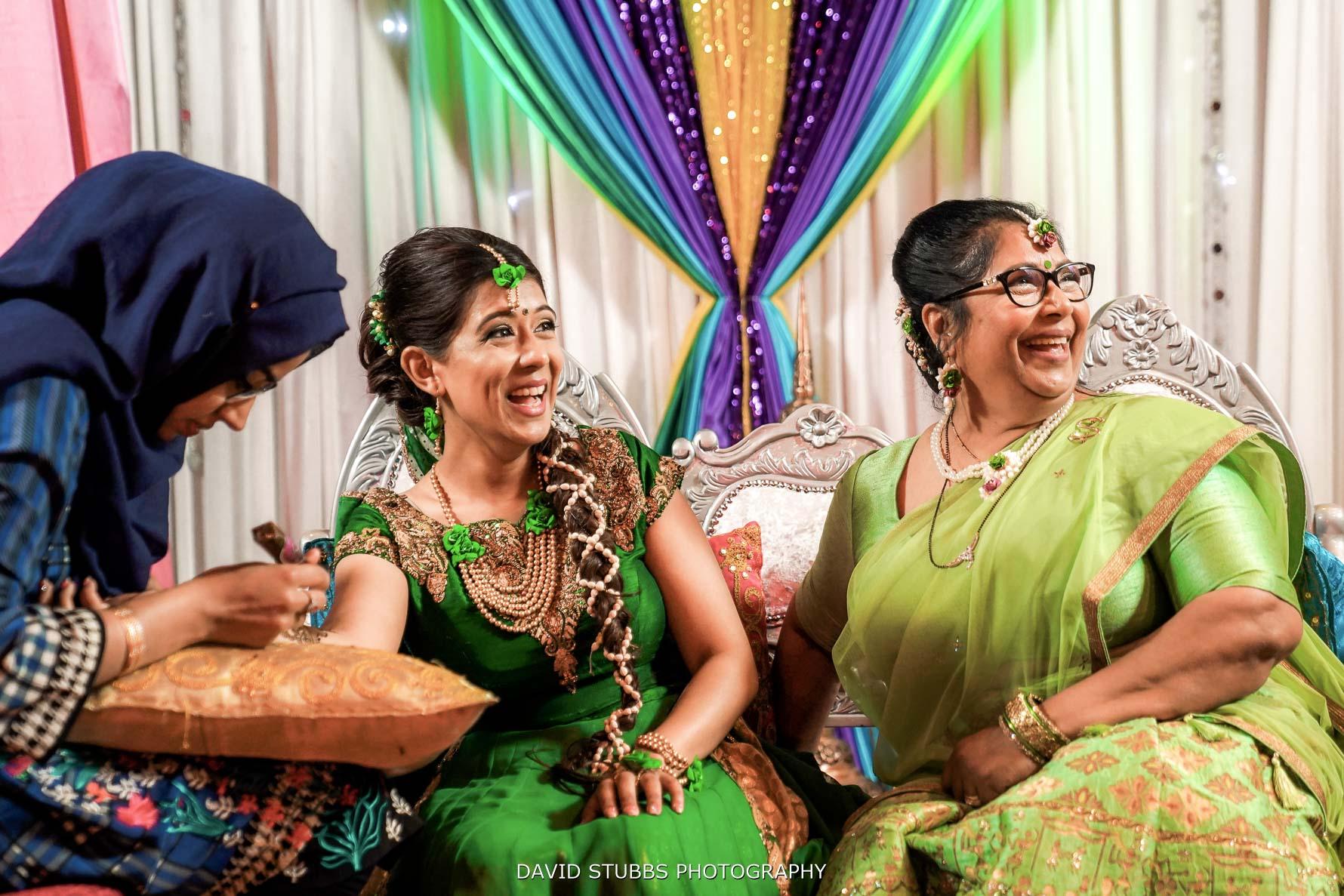 bride with her mum